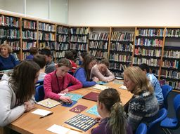 Improving learning with educational games: Scrabble with seniors to learn French vocabulary